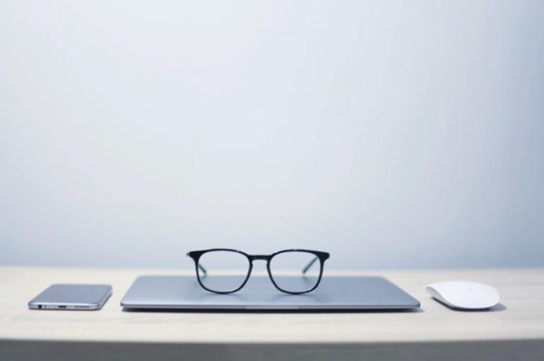 study online glasses laptop